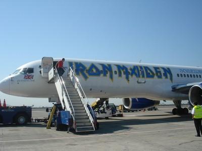 avion-iron-maiden