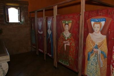Toilettes du Castello di Amorosa Winery