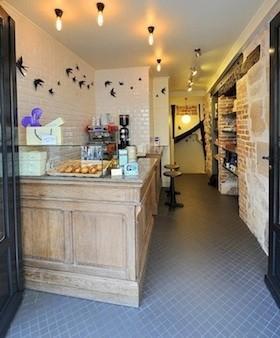intérieur boutique comme à Lisbonne pastel de nata