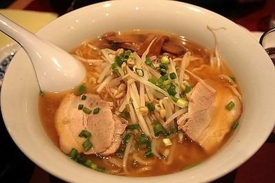 soupe japonaise ramen nouilles porc soja