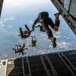 Pourquoi il n'y a pas de parachute dans les avions ?